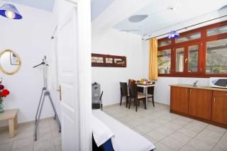 triple apartment bird villa room